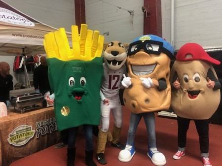 WSPC Visits the Apple Cup