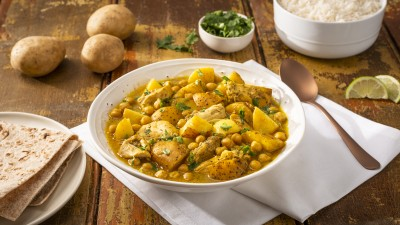 Slow Cooker Potato and Chicken Curry